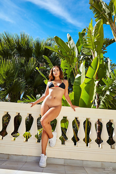 Ginebra Bellucci in Miracles Happen Everyday