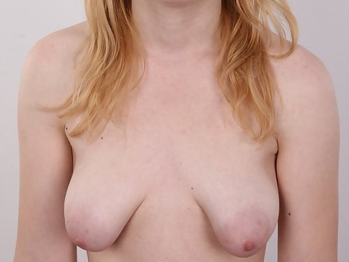 Casting pics of a nerdy amateur with huge pussy lips
