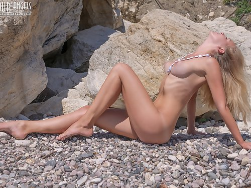 Insanely hot blonde with huge puffy nipples