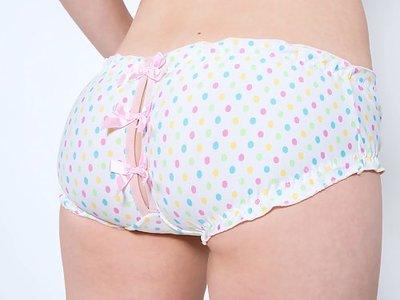 Redhead teen pulls off her panties