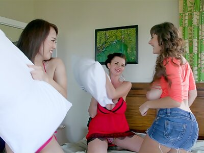 3 girls with huge tits having a pillow fight