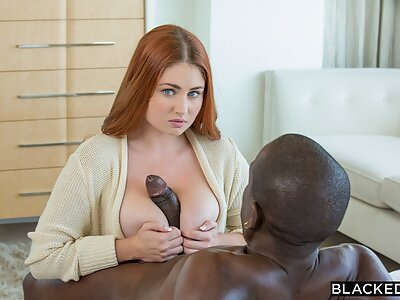 Lennox Luxe is a naughty girl going black