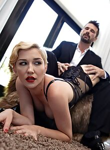 Blonde beauty successfully seduces that handsome married man
